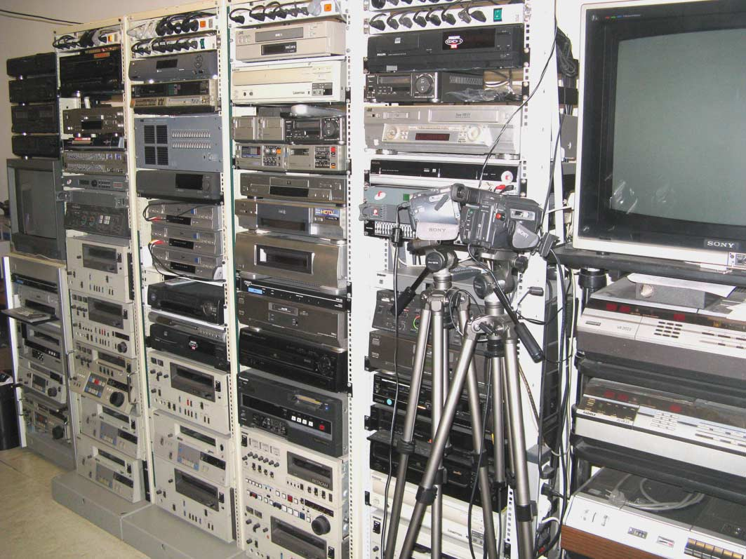 baie de numerisation video et audio pour mettre sur dvd et cd. Black Bedroom Furniture Sets. Home Design Ideas